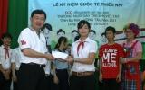 Tập đoàn SCG trao học bổng và quà cho học sinh khuyết tật