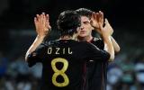 Đức chạm một tay vào tấm vé dự Euro 2012