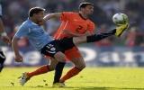 Uruguay hạ Hà Lan trên chấm phạt đền