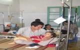 Thẻ BHYT cất tủ, 2 triệu trẻ khám bệnh bằng giấy chứng sinh