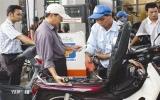 Không giảm giá xăng, Petrolimex dự kiến lãi 648 tỉ đồng