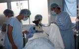 Hơn 150 bệnh nhân nghèo được phẫu thuật mắt thay thủy tinh thể miễn phí
