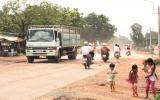 Đường ĐT747 (Tân Uyên): Nát đường vì... quá tải