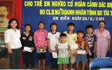 Câu lạc bộ Nữ doanh nhân Bình Dương tặng hơn 70 học bổng cho học sinh nghèo