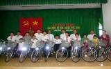 Tặng 21 chiếc xe đạp cho học sinh nghèo huyện Phú Giáo