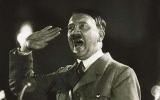 Hitler suýt bị chuyển giới tính nữ