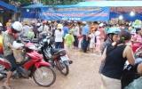 """Hàng Việt đến với thanh niên công nhân:  """"Như muối bỏ bể""""?"""