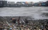 Siêu bão Nanmadol quét qua Philippines