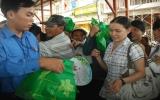 """Hưởng ứng Chiến dịch làm cho thế giới sạch hơn: """"Đổi chất thải lấy quà tặng"""""""