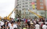 Sập mái tiền sảnh tòa nhà 8 tầng ở Hà Tĩnh: 1 người chết, 7 người bị thương