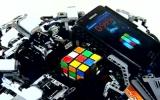 Robot lập kỉ lục xoay Rubik trong năm giây