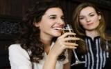 Uống rượu làm tăng nguy cơ mắc bệnh ung thư vú