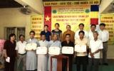 Tặng bằng khen cho những tổ chức, cá nhân Phật giáo làm tốt công tác từ thiện