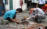 Trám lấp giếng hư hỏng ở Tân Uyên: Góp phần bảo vệ môi trường sống của cộng đồng