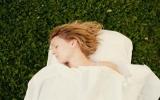 Con người ngủ giường chống muỗi từ 77.000 năm trước