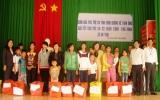 Quỹ Bảo trợ trẻ em tỉnh: Thăm, tặng quà tết cho trẻ em khó khăn tại Phú Giáo, Tân Uyên