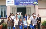 BIDV - Chi nhánh Bình Dương: Tặng quà Tết cho đồng bào nghèo