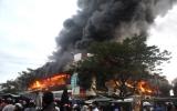 Chợ Quảng Ngãi cháy lớn