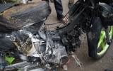 Xe máy bốc cháy trong bãi giữ xe