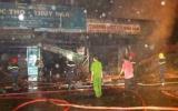 TP HCM: Cháy lớn thiêu rụi 11 kiốt