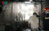 Cháy lớn làm sập nhà 2 tầng, 4 người thoát nạn