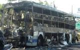 Xe khách bốc cháy dữ dội, 30 hành khách hoảng loạn
