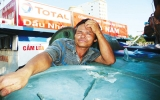 Miền Trung: Dầu tăng giá, ngư dân lao đao