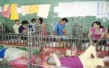 CLB tình nguyện Bồ Câu Trắng Bình Dương tặng quà trẻ em khuyết tật ở huyện Củ Chi (TP.HCM)