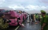 Xe khách lật, 15 người thương vong
