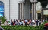 Hà Nội, TPHCM: Chấn động làm hàng trăm người đổ xuống đường