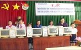 Huyện đoàn Dầu Tiếng trao 12 máy vi tính cho học sinh có hoàn cảnh khó khăn