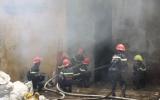 Đà Nẵng: Cháy kho hàng, hàng trăm hộ dân hoảng loạn