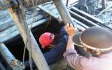 Xuống hầm sâu 40m tìm hai nạn nhân vụ sập mỏ than