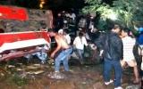 Xe khách rơi xuống sông Srêpôk làm 34 người chết