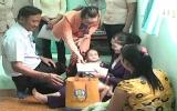 Liên đoàn Lao động huyện Bến Cát: Thăm, tặng quà cho công nhân bị tai nạn lao động và bệnh hiểm nghèo