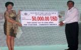 Quyên góp được 50.000 đô la Mỹ