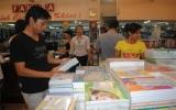 Tranh thủ mua sắm đồ dùng học tập vì ngại giá tăng