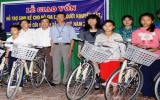 Giao vốn hỗ trợ sinh kế cho gia đình người khuyết tật, trẻ mồ côi nghèo...