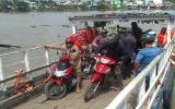 Quy định về việc mặc áo phao khi qua sông: Chủ đò lẫn hành khách chưa chấp hành nghiêm túc