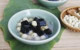 Chè hạt sen và thạch đen