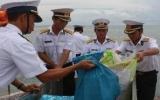Hơn 2,5 tỷ đồng quà tặng cho quân dân Trường Sa