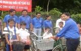 Tặng xe đạp cho học sinh nghèo vượt khó học giỏi xã Minh Hòa (Dầu Tiếng)