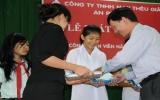 Khen thưởng con công nhân học giỏi