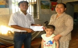 Báo Bình Dương: Hỗ trợ tiền, quà cho bé bị mắc bệnh hiểm nghèo về máu