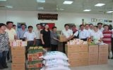 Hiệp hội Thương gia Đài Loan trao tặng quà cho trẻ khuyết tật