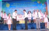 Tôn Đông Á ủng hộ 129,5 triệu đồng vào Quỹ Bảo trợ trẻ em tỉnh Bình Dương