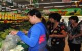 Giá các loại thực phẩm thiết yếu giảm