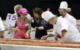 Thụy Sĩ lập kỷ lục thế giới với bánh kem hơn 1km