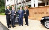 Mercedes Việt Nam giao S-Class cho Park Hyatt Saigon