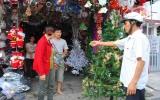 Hàng Việt chiếm ưu thế thị trường Noel 2012